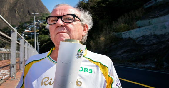 Washington Olivetto no revezamento da Tocha, Rio 2016.